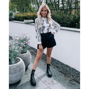 Laura pantalon short black